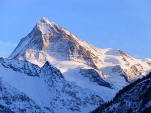 (La Dent Blanche,  haute vallée du Rhône - Suissi)